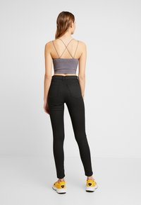 BDG Urban Outfitters - GLITTER STRAPPY BACK CAMI - Top - glittery silver - 2