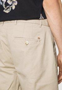 Scotch & Soda - STUART CLASSIC - Shorts - sand - 3