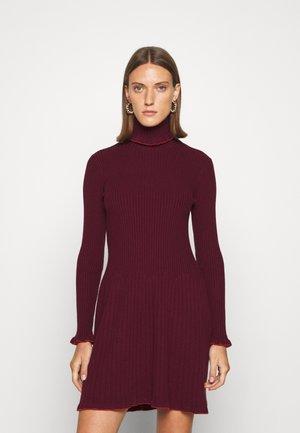 SCANDIRE - Jumper dress - burgundy