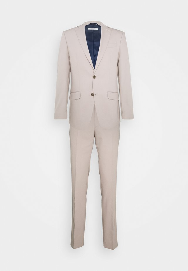 Suit - beige