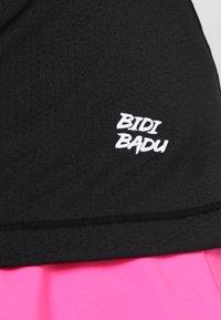 BIDI BADU - EVE TECH ROUNDNECK TEE - Jednoduché triko - black - 5