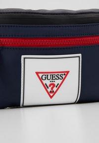 Guess - COLLEGE BUMBAG - Sac banane - blue - 7
