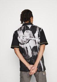 HUF - CRAZY WOVEN  - Shirt - black - 2