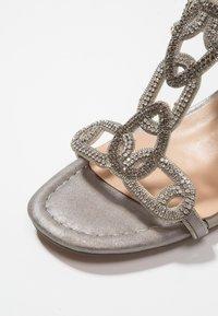 Alma en Pena - Højhælede sandaletter / Højhælede sandaler - oporto pewter - 2
