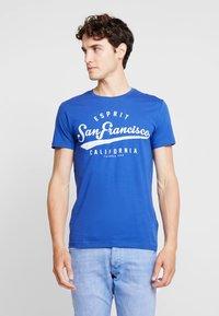 Esprit - Print T-shirt - bright blue - 0