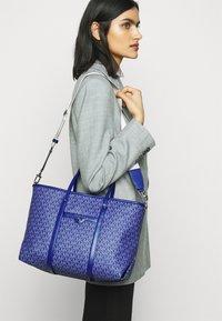 MICHAEL Michael Kors - BECK TOTE - Handbag - twilight blue - 3