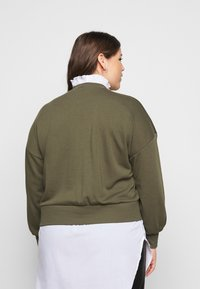 Noisy May Curve - NMHANNAH LONG PULLOVER CURVE - Neule - olive night - 2