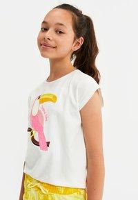 WE Fashion - T-shirt con stampa - white - 1
