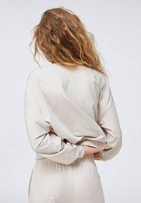 OYSHO - Sweatshirt - beige - 2