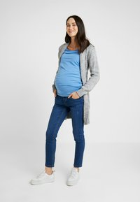LOVE2WAIT - CARDIGAN CABLE - Chaqueta de punto - grey - 1