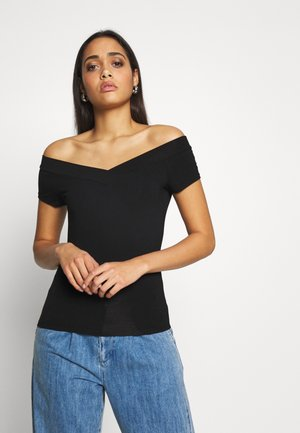 PCMALIVA OFF SHOULDER V-NECK - Basic T-shirt - black
