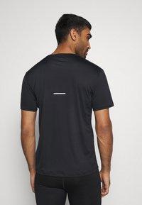 ASICS - FUTURE CAMO - Camiseta estampada - performance black - 2