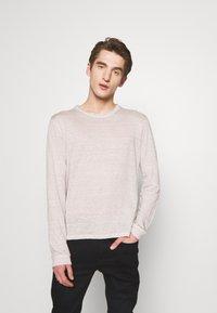 120% Lino - T-shirt à manches longues - turtle soft fade - 0
