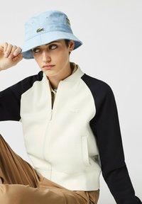 Lacoste - Zip-up sweatshirt - blanc/bleu marine - 3
