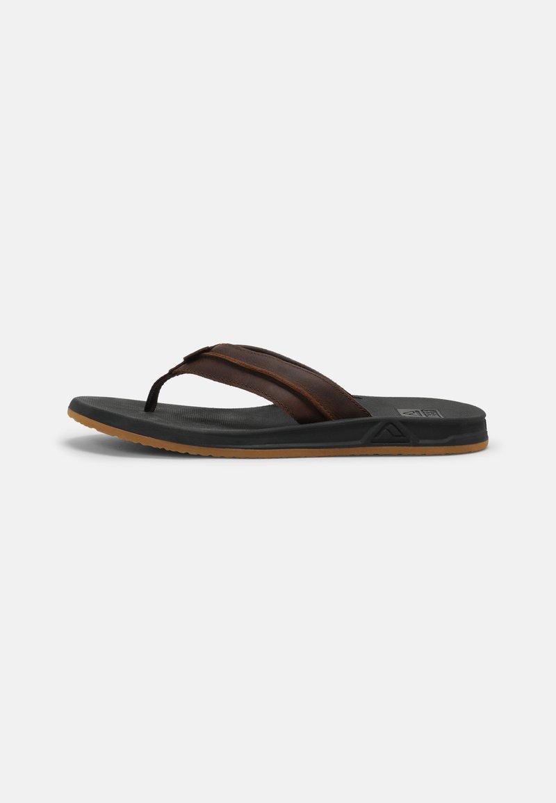 Reef - ELEMENT - Sandály s odděleným palcem - black/brown