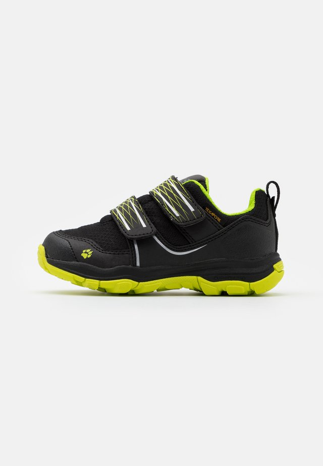 MTN ATTACK 3 TEXAPORE LOW UNISEX - Trekingové boty - black/lime