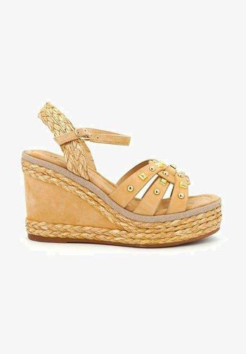 MONSUL - Wedge sandals - sand