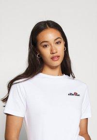 Ellesse - MONTAL - T-shirts print - white - 4