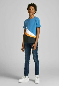 Jack & Jones Junior - T-shirt med print - deep water - 1