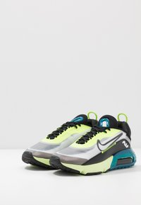 Nike Sportswear - AIR MAX 2090 - Zapatillas - white/black/volt/blue force/barely volt - 4