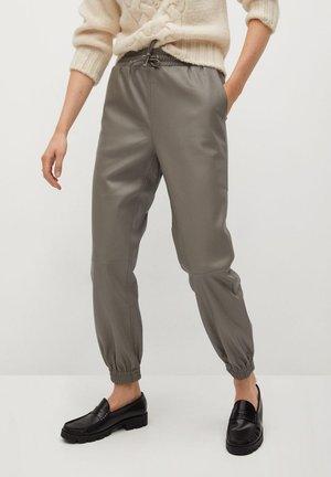 GINY-I - Spodnie materiałowe - grau