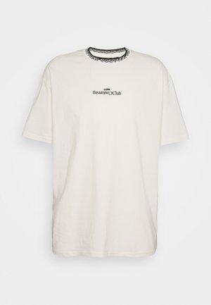 CONTRAST LOGO JACQUARD - Print T-shirt - off white