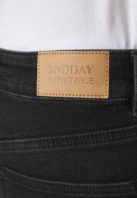2nd Day - 2ND RIGGIS THINK TWICE - Straight leg jeans - black - 5
