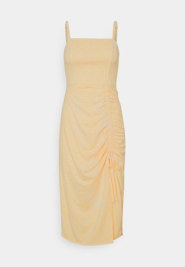 MIDI DRESS - Jerseyklänning - yellow floral