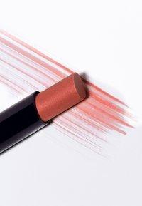 Dr. Hauschka - SHEER LIPSTICK - Lipstick - aprikola - 2