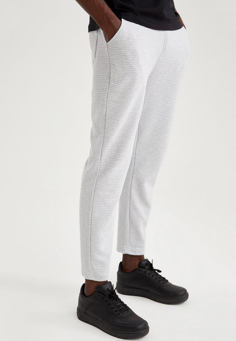 DeFacto - Pantaloni sportivi - grey