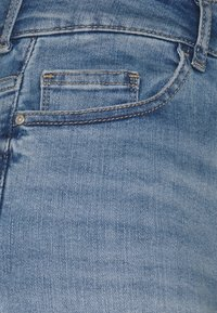 ONLY Tall - ONLBLUSH MID - Shorts di jeans - light blue denim - 2