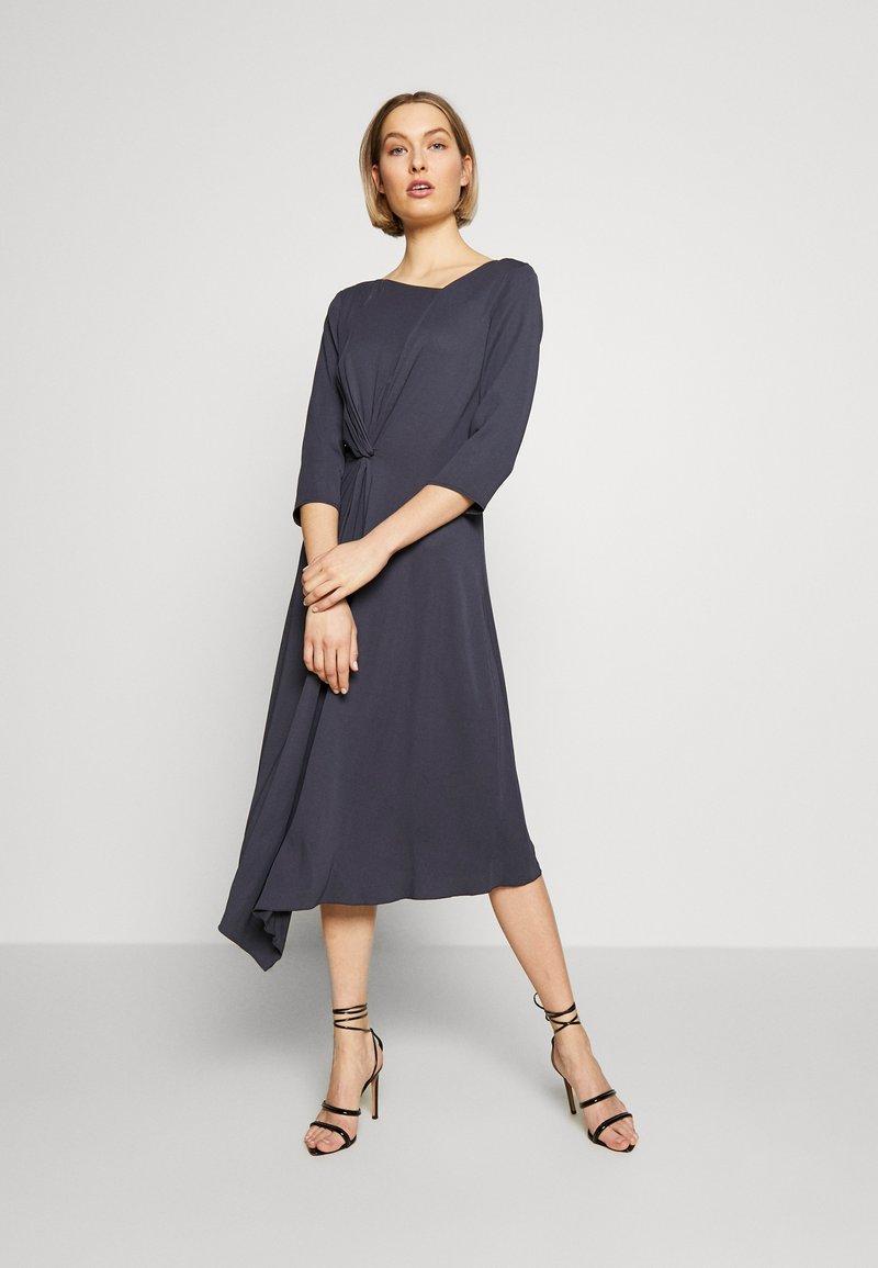 Patrizia Pepe - ABITO/DRESS - Day dress - lava grey