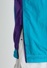 Nike Performance - RETRO - Cortaviento - rapid teal/field purple/white - 6
