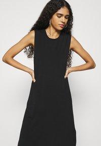 Selected Femme - SLFGIA - Vapaa-ajan mekko - black - 3