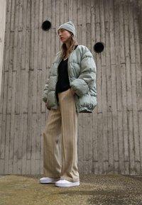 Puma - CALI SPORT CLEAN  - Sneakers laag - white - 0
