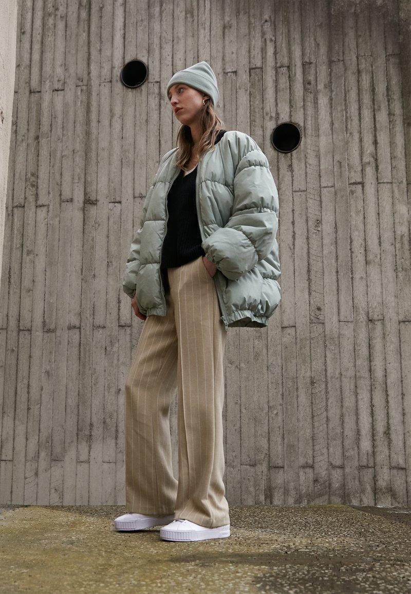 Puma - CALI SPORT CLEAN  - Sneakers laag - white