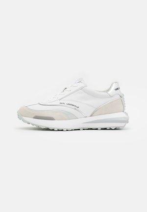 ZONE RUNNER - Tenisky - white/silver