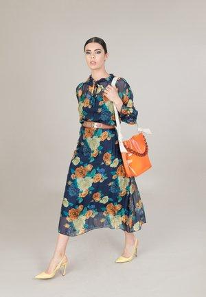 Handbag - arancio