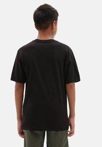 Vans - BY OTW LOGO FILL BOYS - T-shirt print - black/slime - 1
