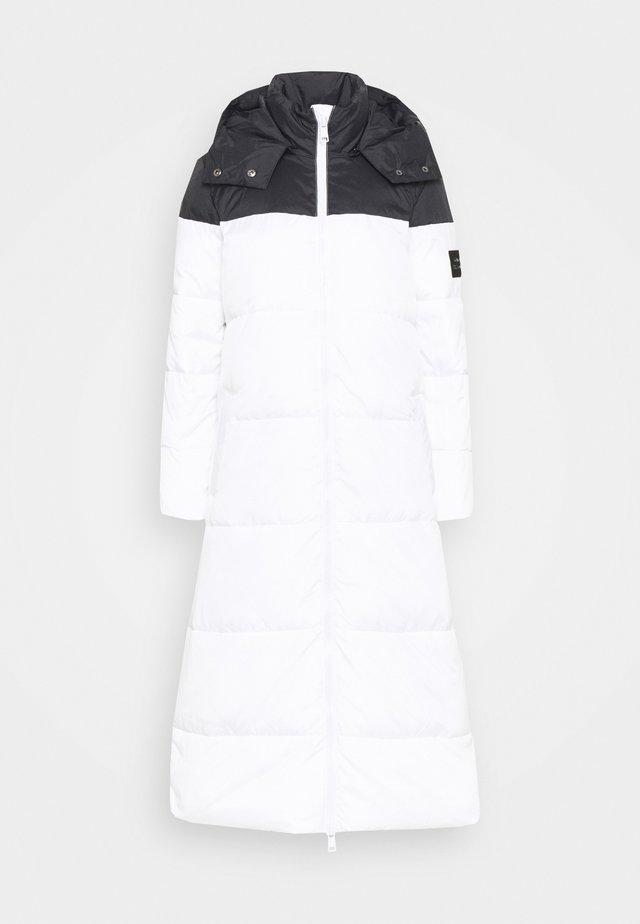 Winter coat - off white/black