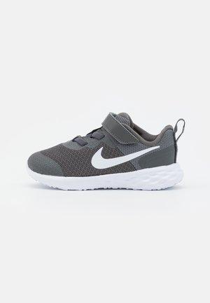 REVOLUTION 6 TDV UNISEX - Neutral running shoes - iron grey/white/smoke grey