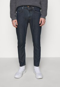 CLOSED - COOPER - Jeans Tapered Fit - darb blue - 0