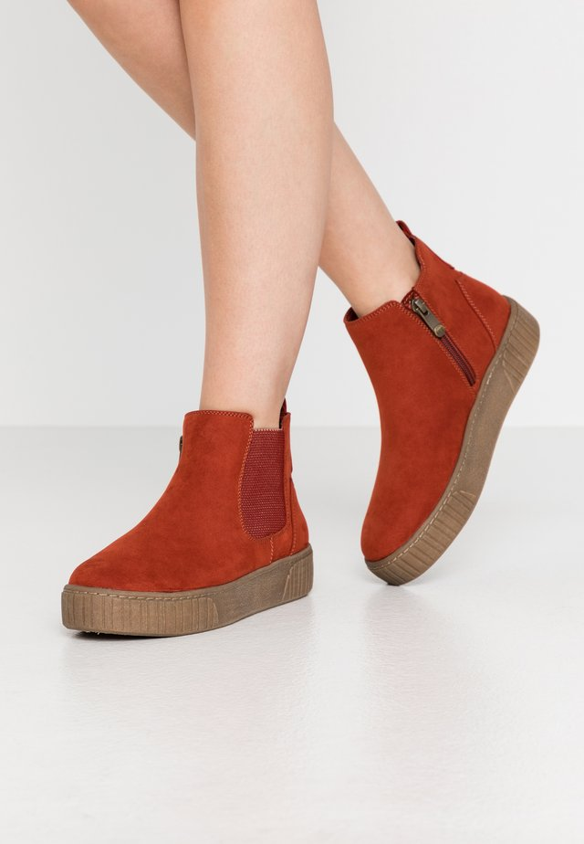 Ankle boots - brick