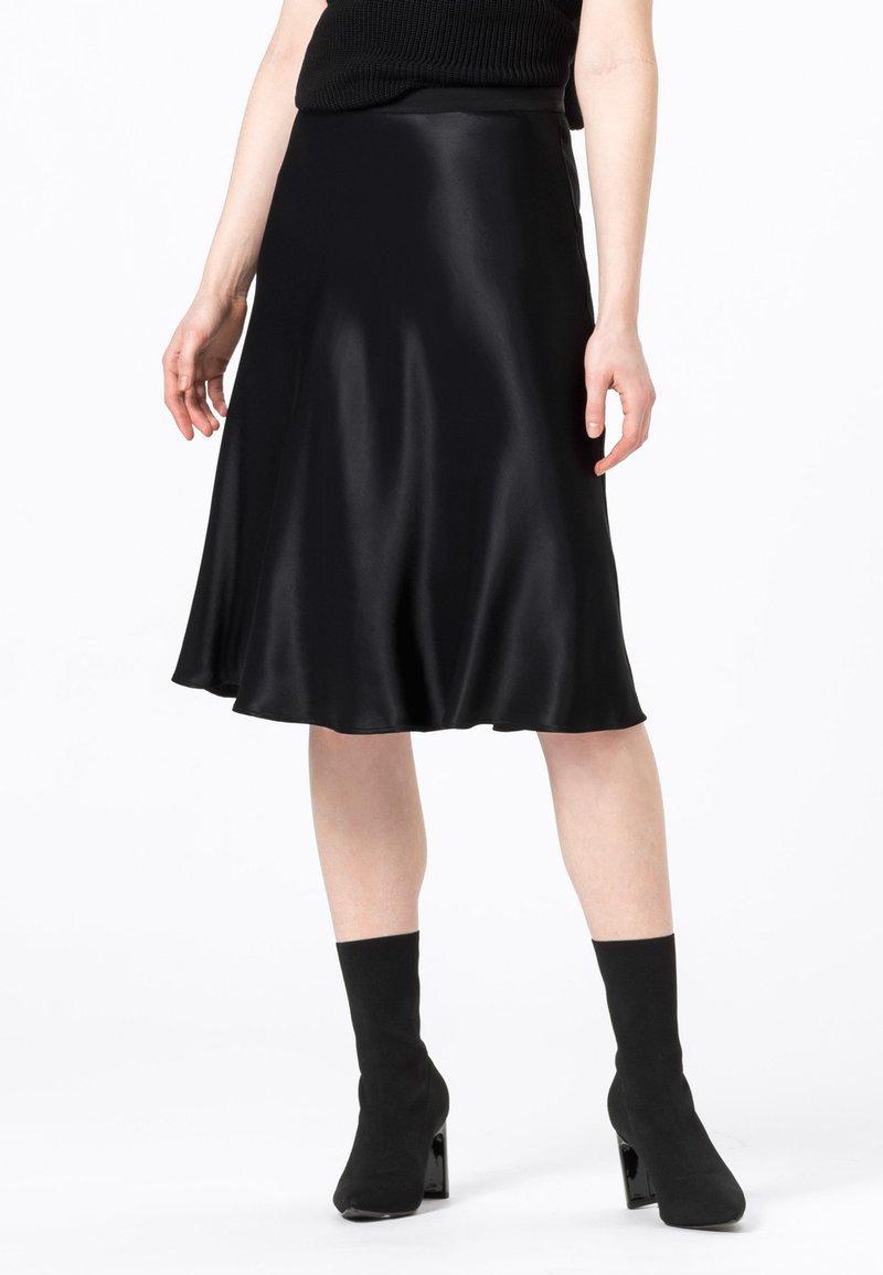 HALLHUBER - A-line skirt - schwarz