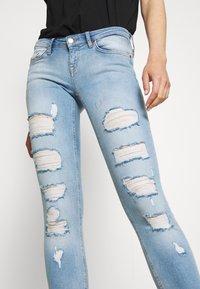 ONLY - ONLCORAL DESTROY  - Jeans Skinny Fit - light-blue denim - 5