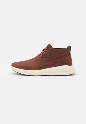 BRADSTREET ULTRA CHUKKA - Sneakers hoog - mid brown