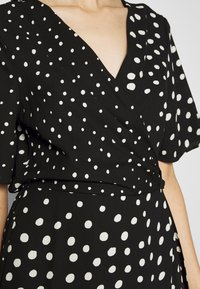 Dorothy Perkins Tall - MIX AND MATCH SPOT MANIPULATED WAIST DRESS - Day dress - black - 5