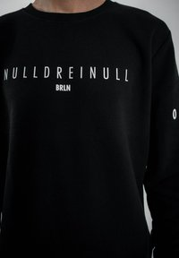 PLUSVIERNEUN - BERLIN - Sweatshirt - black - 7