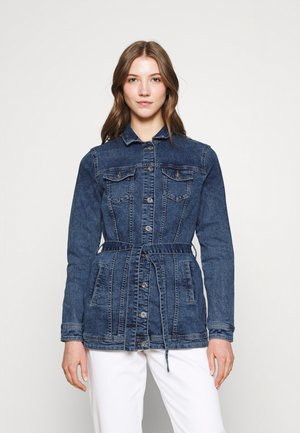 ONLTIA LIFE LONG BELT  - Denim jacket - light blue denim