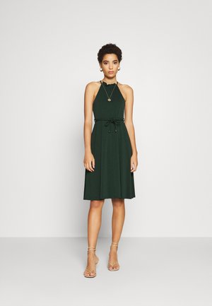 BASIC JERSEYKLEID - Jersey dress - scarab